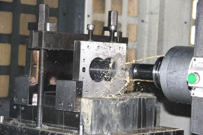 Twin Extruder Machine Screw Barrel Renovation Old Change New Exchange A101 / Overall Liner